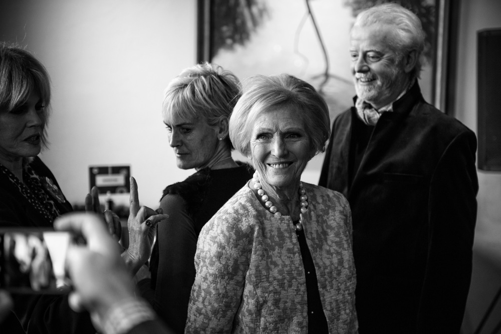 17_Dec_CIN_Rick_Stein Mary Berry Joanna Lumley Chris Evans Judy Murray sm